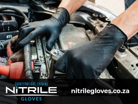 Why Mechanics Should be Using Nitrile Gloves